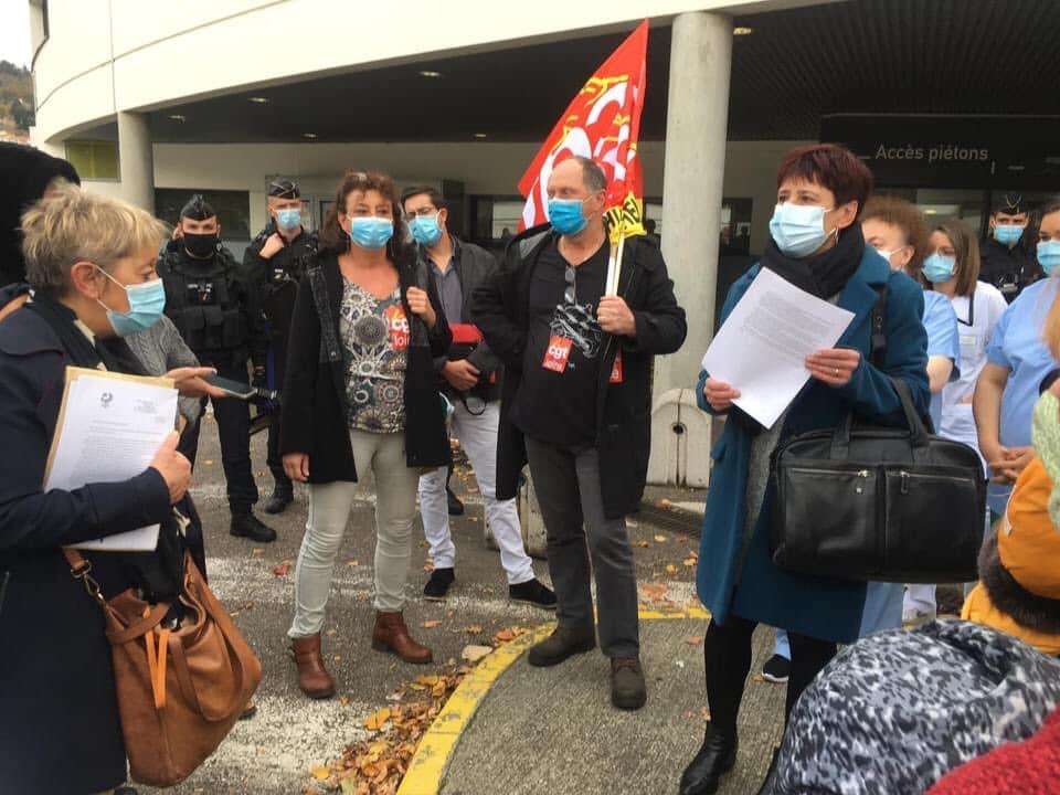 Jean Castex en visite au CHU de Saint-Etienne : les soignants de la Loire l'attendent de pied ferme